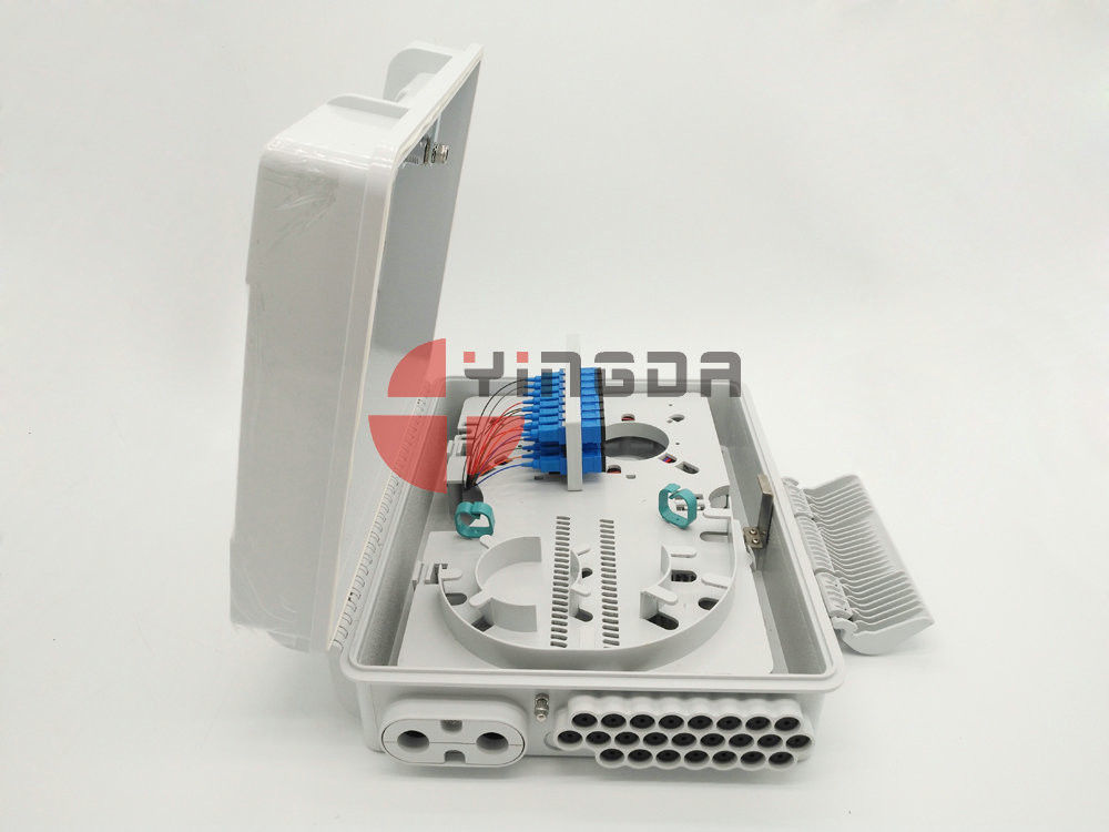 24 Port Fiber Access Terminal Box dengan adaptor SC / UPC Pigtails, 1 * 8 1 * 16 Splitter Distribution Box White pemasok